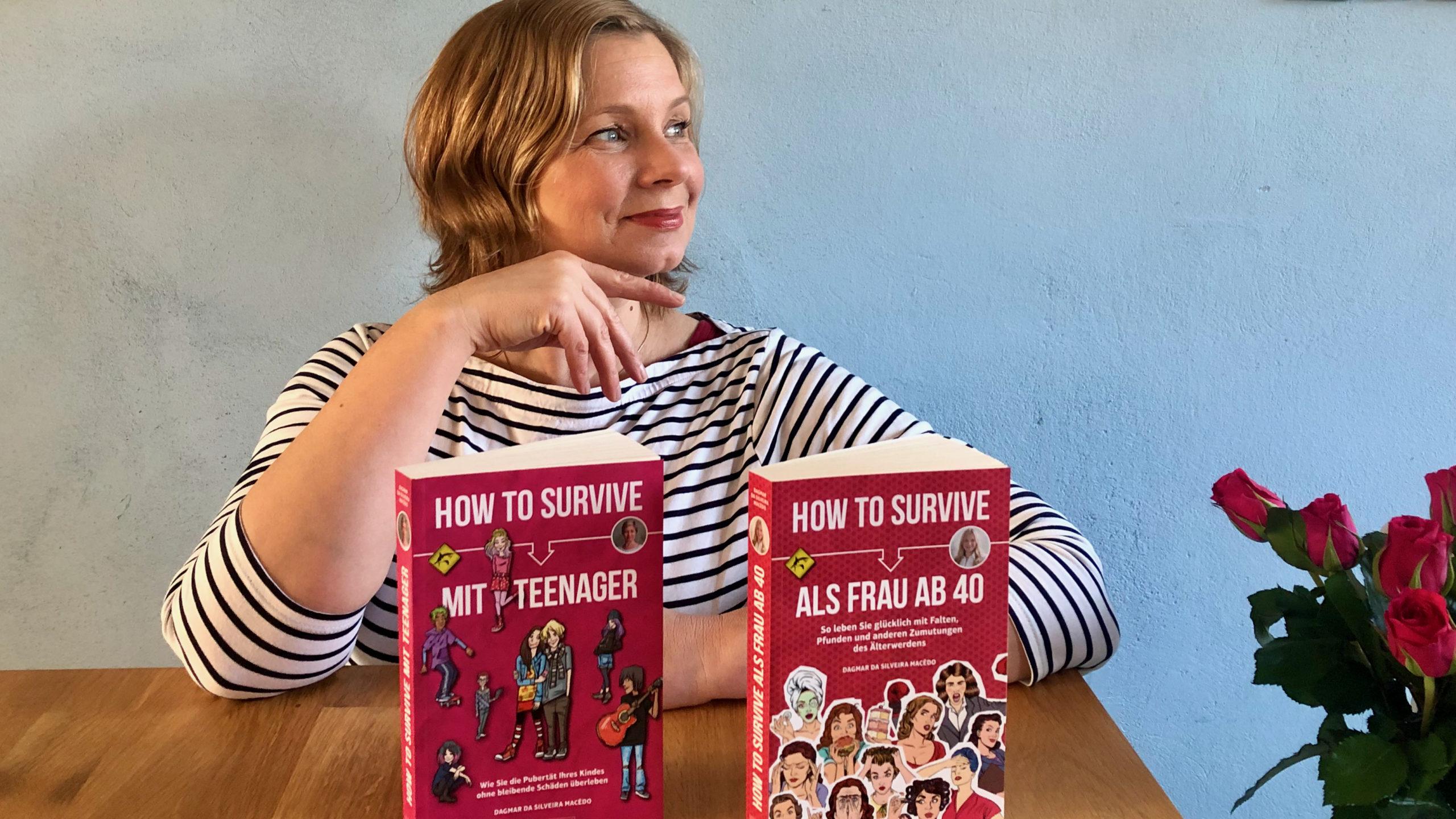 Dagmar mit den beiden How to survive-Büchern